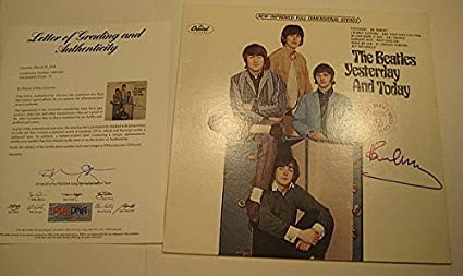 Paul Mccartney Signed Beatles' Yesterday And Today Album - PSA/DNA