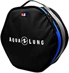 The Aqua Lung Explorer Regulator Bag is a travel friendly bag that will keep your delicate gear safe and is made to last. This bag is the only regulator bag with its hexagonal shape designed to keep your hoses kink-free and in order. The dura...