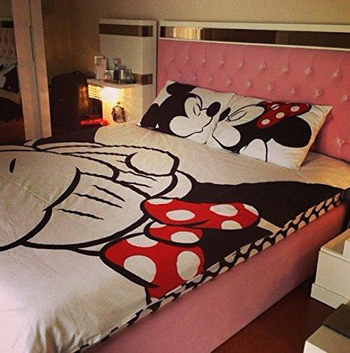 Amazon com  Disney  Mickey   Minnie in Love  Queen Size  Home   Kitchen. Amazon com  Disney  Mickey   Minnie in Love  Queen Size  Home