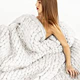 """Nishiguang Chunky Knit Blanket Handmade Thick Wool Bulky Knitting Throw for Bedroom Decor Super Large Bed Sofa Pet Mat White 24""""x24"""""""