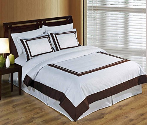 Deluxe Reversible Hotel Duvet Cover Set, 100% Cotton 300 Thread Count Bedding, woven with superior single-ply yarn. 3 piece Full / Queen Size Duvet Cover Set, White and Chocolate