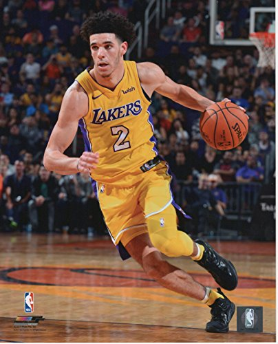 Unsigned Basketball (Lonzo Ball Los Angeles Lakers Unsigned Licensed Basketball Photo)