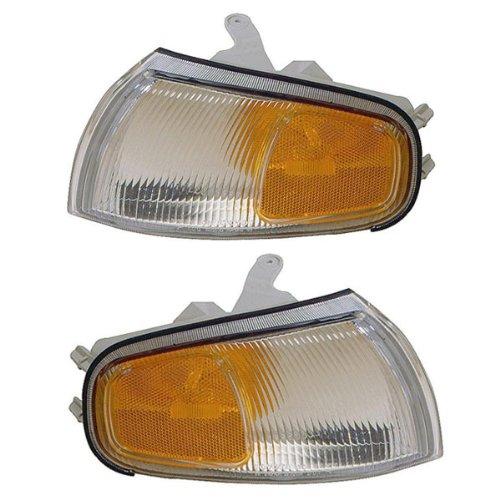 1995-1996 Toyota Camry Corner Park Light Turn Signal Marker Lamp Set Pair Right Passenger AND Left Driver Side (95 96) ()