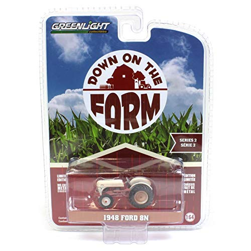 Down On the Farm 1//64 1948 Ford 8n White and Red Weathered Series 2 48020-A