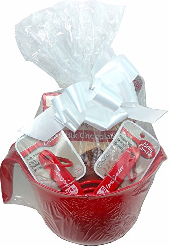 Betty Crocker Baking Lovers Delight Dessert Basket ~ Includes Betty Crocker Dessert and Utensils (Brownies) (Christmas Baking Gift Basket Ideas)