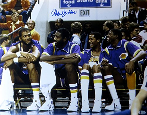 Kareem Abdul-Jabbar Autographed 16X20 Photo Lakers Sitting Bench Beckett J57333 ()