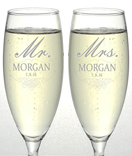 Set of 2 Personalized Wedding Champagne Flutes- Mr and Mrs Design - Engraved Flutes for Bride and Groom Gift for Customized Wedding (Design Toasting Flutes)