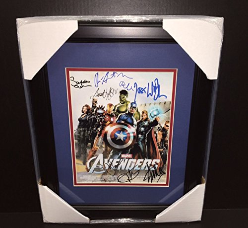 Stan Autographed 8x10 Photo - THE AVENGERS AUTOGRAPHED REPRINT STAN LEE CAST 8x10 PHOTO FRAMED 8X10 PHOTO