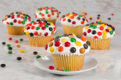 Chocolate Candy Vanilla Cupcake-6 Count
