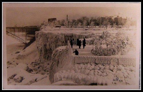 Niagara Falls - Rainbow Bridge - Winter- Frozen Over 1933 Postcard (Blank reverse)