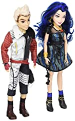 Set off on a journey with the teenage descendants of Disney heroes and villains as they choose their own paths and forge new friendships. This Disney Descendants 2-pack includes a set of fashion dolls: good friends from Isle of the Lost, Carl...