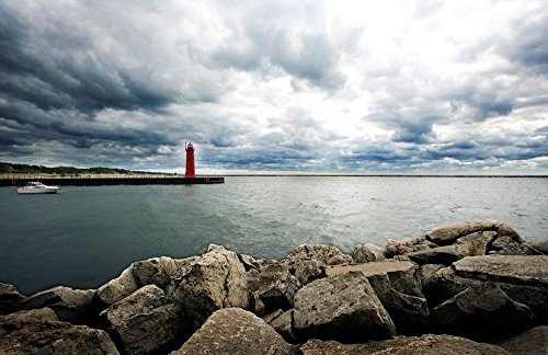 (Muskegon South Breakwater Lighthouse, Lake Michigan, Muskegon, Michigan, USA Art Print, 54 x 35 inches)
