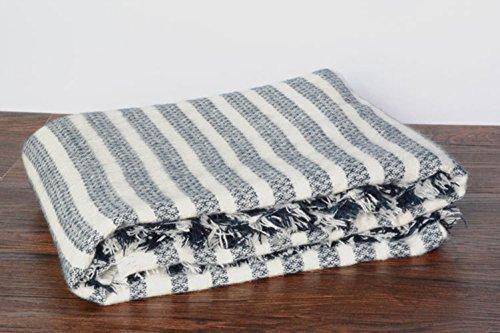 VLUNT Echarpe Longue Douce et Chaude Surdimensionnée Automne/Hiver pour Femme Foulards Tartan Châle Long Etole Filage de la laine Cadeau Noël Noir et Blanc