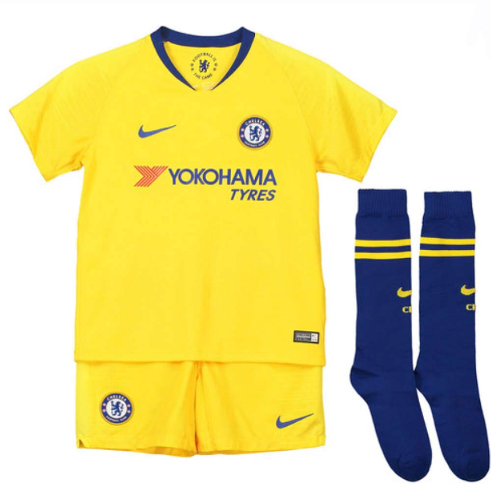 best loved cdbef e40a9 Amazon.com : Nike 2018-2019 Chelsea Away Little Boys Mini ...