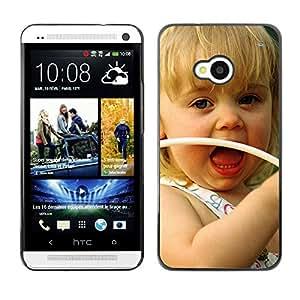 Paccase / SLIM PC / Aliminium Casa Carcasa Funda Case Cover - Cute girl Smiling - HTC One M7