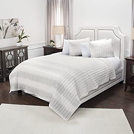 Rizzy Home Seismic Riff Quilted Bedding Queen White