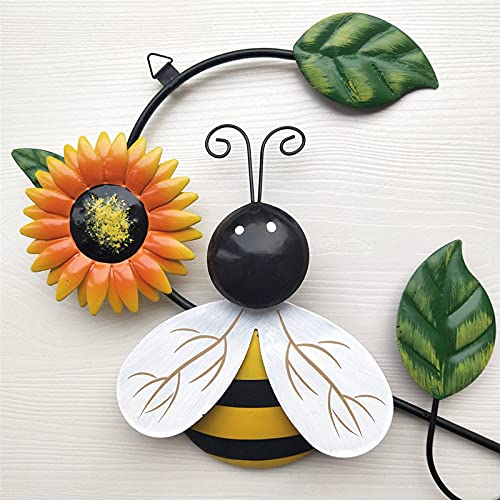 Keepfit Metal Wall Art for Outdoor, Garden Decor, Metal Bumble Bee & Ladybird Ornament, Outdoor Wall Decoration (1PC - Metal Bumble Bee)