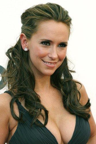 love cleavage Jennifer hewitt