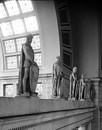 16 x 24 Art Canvas Wrapped Frame Giclee Print of Louis St. Gaudens's centurion statues Union Station Washington DC [bet Highsmith 82a (Station Washington Unions Dc)