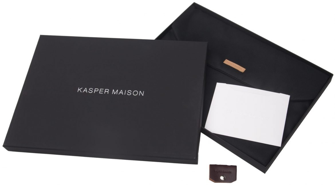 Kasper Maison Italian Leather Laptop Sleeve for 15 Inch Macbook Pro 2016 / 2017 Touch Bar – Designed Envelope Case for similar computer, notebook and ultrabook sizes - Signature Gift Included by Kasper Maison (Image #2)