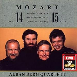 """Afficher """"String quartet 14 KV 387"""""""