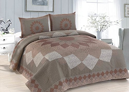 AHT Mocha Dahlia - 4 Pc King Quilt Bedding Set (Includes King Size Quilt, 2 Standard Size Shams and 1 Throw Blanket) ()