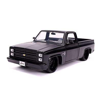 1985 Chevy C10 Pickup, Primer Black - Jada 31604 - 1/24 Scale Diecast Model Toy Car: Toys & Games
