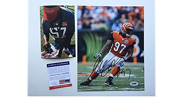ff36d227b1f Amazon.com  Geno Atkins Hot! signed autographed Bengals 8x10 photo PSA DNA  cert with PROOF!!  Sports Collectibles