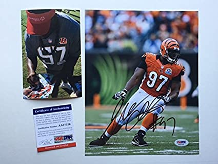 e392db57caa Image Unavailable. Image not available for. Color  Geno Atkins Hot! signed  autographed Bengals 8x10 photo PSA DNA ...