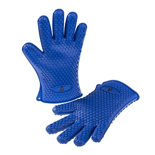 SiliGrilla Heat Resistant Silicone BBQ Grilling Gloves - Lifetime Warranty w/Bonus Basting Brush & Grilling Guide with Recipes