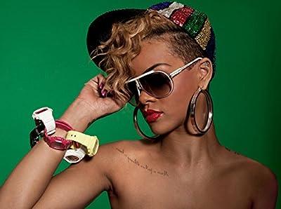 Rihanna 8X10 Poster #RD11
