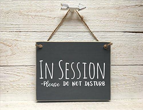Amazon.com: Letrero de madera en sesión para puerta de ...