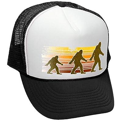 SASQUATCH WALKING - FUNNY RETRO VINTAGE STYLE - Unisex Adult Trucker Cap Hat