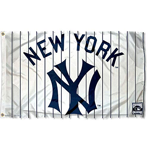 - WinCraft New York Yankees Vintage Flag and Banner