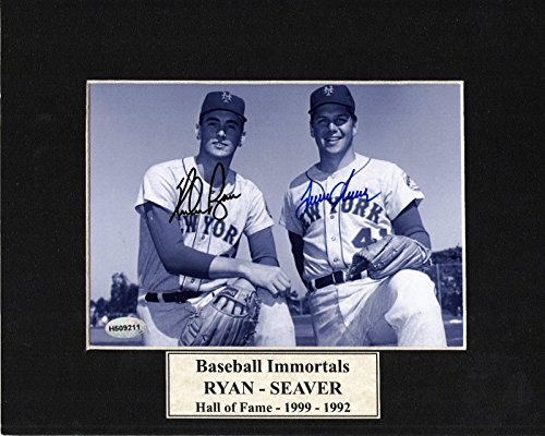 NOLAN RYAN & TOM SEAVER SIGNED BLACK AND WHITE FRAMED PHOTO - Tom Seaver Photograph
