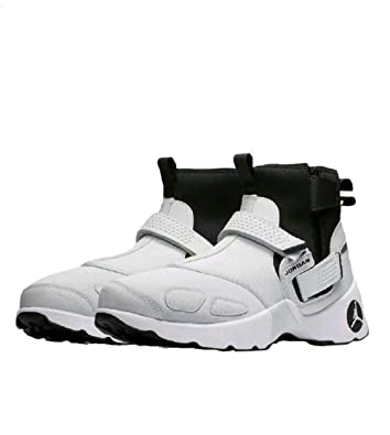 d29815af4f018 Amazon.com   Jordan Trunner LX High   Basketball