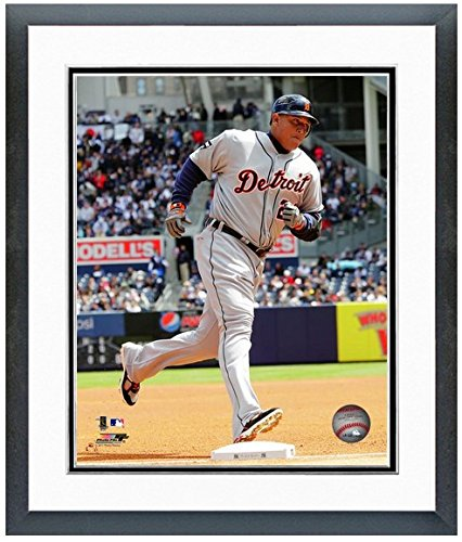 Miguel Cabrera Deroit Tigers MLB Action Photo (Size: 12.5