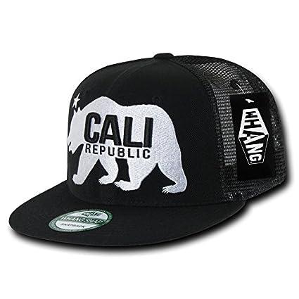 3849b74826059 Amazon.com  WHANG Gomdori Cali Bear Trucker Cap