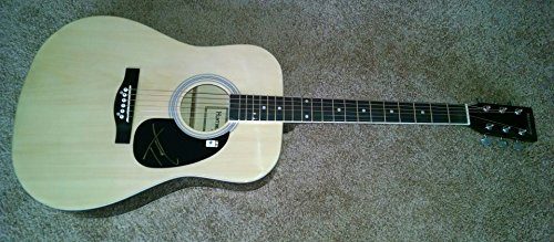 - Tim McGraw Hand Signed Autographed Guitar Country Pop Star GA 769788
