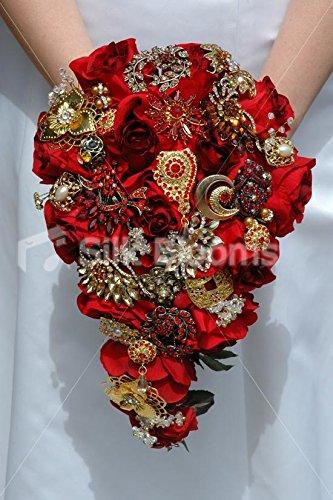 Ramo de novia con broches de cascadahttps://amzn.to/2Oo9GX9