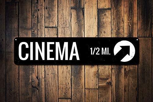 Cartel de cine personalizado con flecha direccional y signo ...