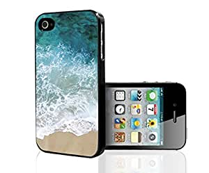 Beautiful Ocean on Sandy Beach Hard Snap on Phone Case (iPhone 5/5s)