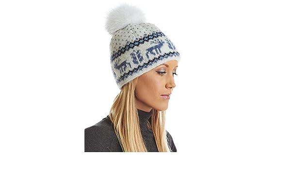 44c45aeffff Amazon.com  frr Icelandic Knit Wool Beanie with Blue Fox Pom Pom  Clothing