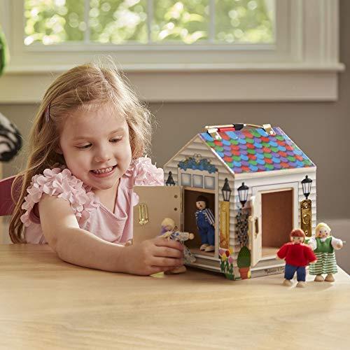 """Melissa & Doug Casa de muñecas con timbre de madera para llevar, Sonidos de timbre, Llaves, 4 muñecas de madera que se pueden colocar, 9 """"Alt. X 6.8"""" An. X 6.8 """"An."""