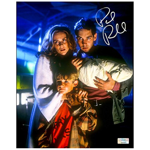 Paul Rudd Autographed Halloween: The Curse of Michael Myers 8×10 Scene Photo]()
