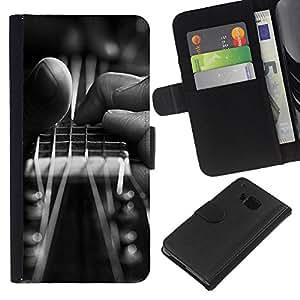 YiPhone /// Tirón de la caja Cartera de cuero con ranuras para tarjetas - Guitarra Mano - HTC One M7