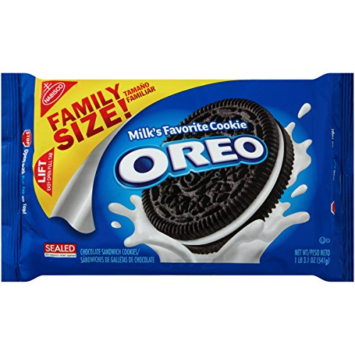 Oreo Chocolate Sandwich Cookies - Family Size, 3.1 Ounce by Oreo