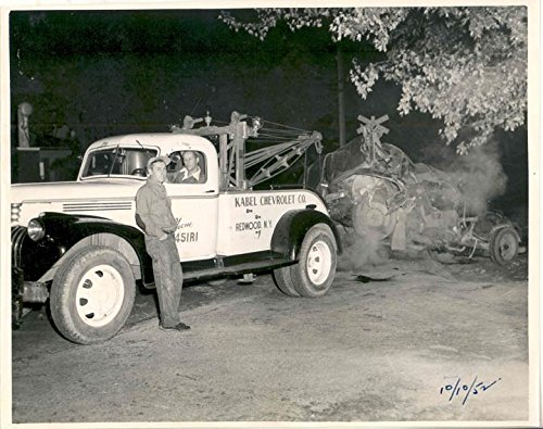 Chevrolet Wrecker - 1947 Chevrolet Redwood NY Wrecker Tow Truck Crash Photo