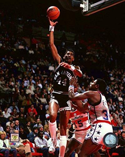 George Gervin San Antonio Spurs Action Photo (Size: 8