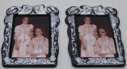 Scary & Non Scary Halloween Decorations (Spooky Lenticular Portrait Silver # 4) -